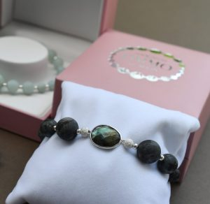 Labradorite and Silver bracelet, labradorite bracelet for women, womens bracelet with silver, gemstone bracelet for women, semi-precious bracelet