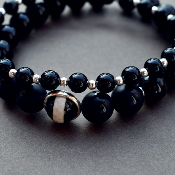 Onyx and Silver Beaded Bracelet for Men, Onyx bracelet, onyx beaded bracelet, onyx jewellery, black beaded bracelet for men, onyx and silver bracelet, beaded bracelet uk, onyx bracelet uk