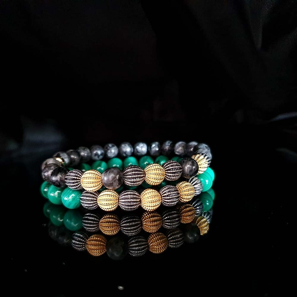 Silver and Gold Malachite Bracelet, malachite jewellery, gold and malachite bracelet, green bracelet, heart chakra bracelet, healing jewellery, luxury jewellery, semi-precious bracelet, Silver and Gold Labradorite Bracelet
